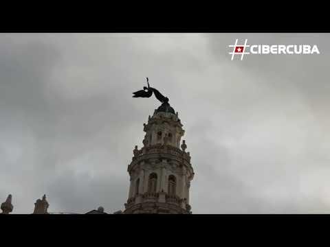 Así quedó la estatua del Gran Teatro de la Habana