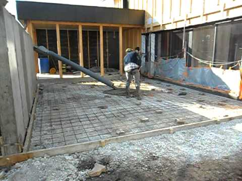 On coule la terrasse sud c 39 est la derni re youtube - Couler une terrasse en beton ...