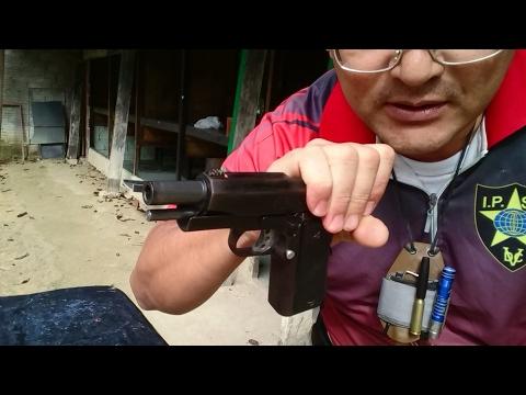 Tem como municiar um carregador de pistola só com uma mão?  como treinar carregar e visar?