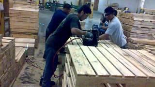Haciendo tarimas,(paletas) ,,,,,,Building pallets
