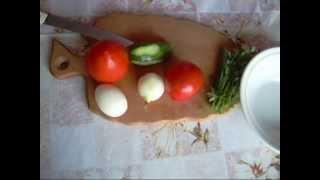 Салат из помидор и огурцов.Salad of  tomatoes and cucumbers