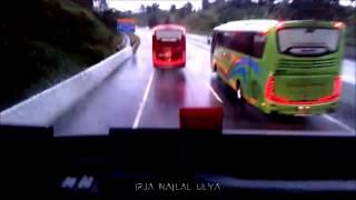 Video GANAS!! Aksi BUS TINGKAT MEWAH Putera Mulya Ngeblong EMPAT Bus Sekaligus di Tol Bawen download MP3, 3GP, MP4, WEBM, AVI, FLV November 2017