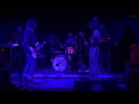 Lorelle Meets The Obsolete - La Maga (@Texas Bar, Leiria, 28 janeiro 2019) Mp3