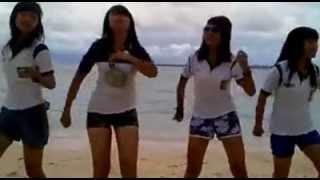 dancing on the beach- bosnik