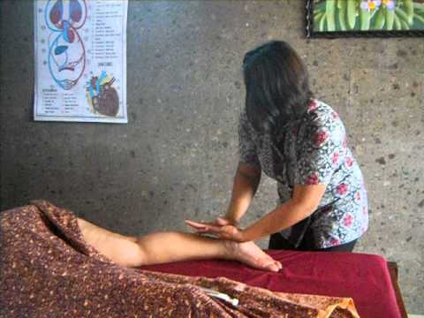 Balinese Massage at Reeva Spa School Kuta Bali