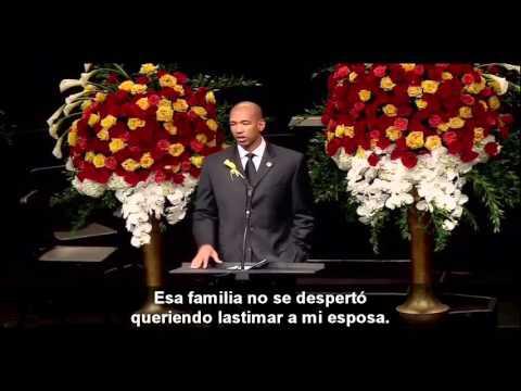 Este hombre cristiano sorprendió a todos en el funeral de su esposa