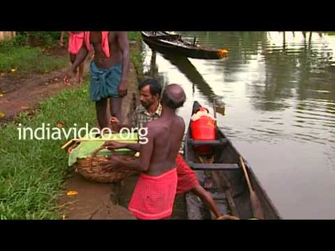 Oarsmen Having Food, Alappuzha