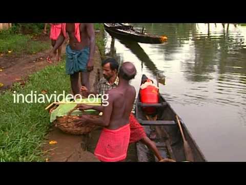 Oarsmen Having Food, Alappuzha