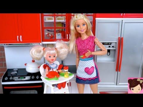 Barbie Babysitting Routine - Feeding Baby Doll Slime & Barbie Bathroom Tub