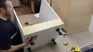 Сборка кухни . Модуль под духовку . Стандартный .(Сборка кухни . Модуль под духовку . Стандартный . Furniture Manufacturing Process Furniture Making., 2016-08-31T18:36:08.000Z)