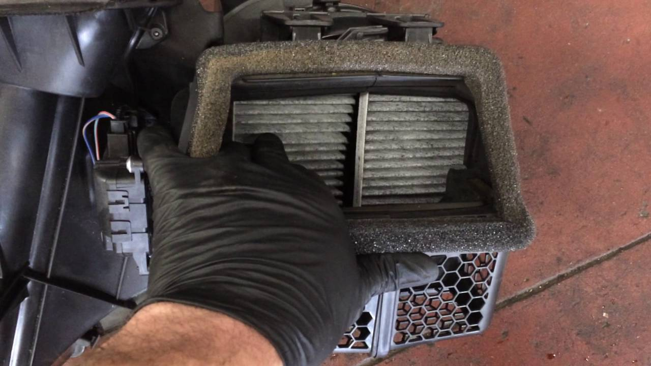 2010 Dodge Nitro Coolant Leak Replacing The Heater Core