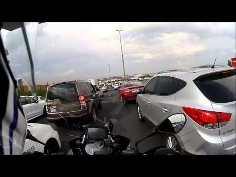 BMW R1200GS Adventure - Lane Splitting Advice - South Africa