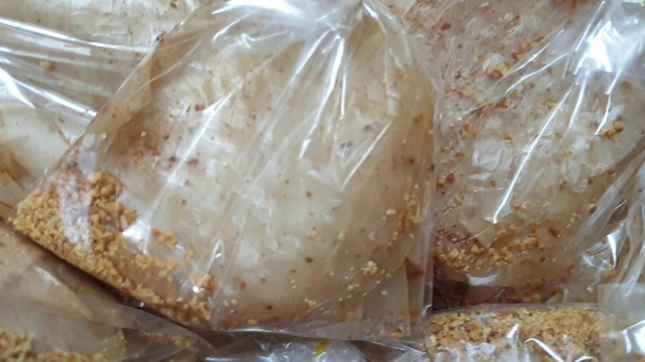 Bánh tráng muối nhuyễn tỏi