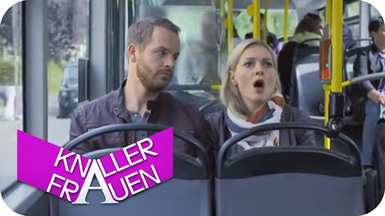 Husten-Attacke im Bus [subtitled] | Knallerfrauen mit Martina Hill