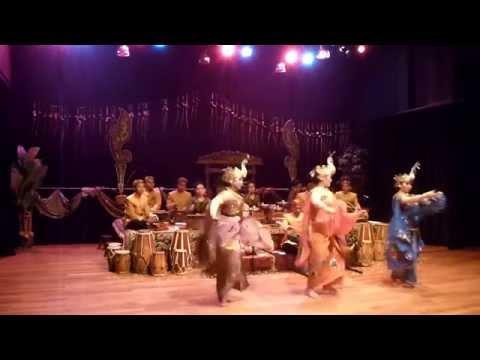 Tari Merak by Degung Singalagena