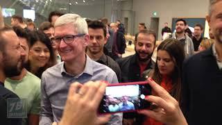 Tim Cook all'Apple Store Piazza Liberty di Milano