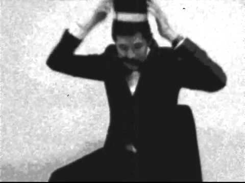 Auguste and Louis Lumière - Chapeaux à Transformations (1895)