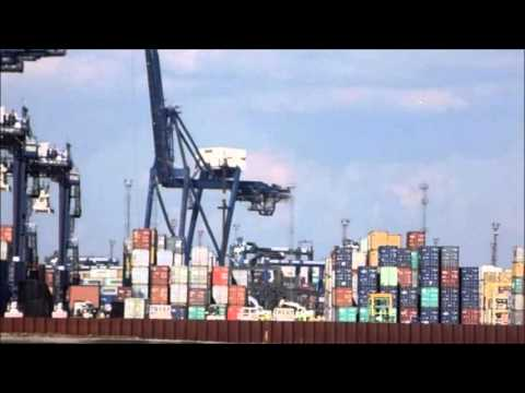 Another crane bites the dust at Felixstowe