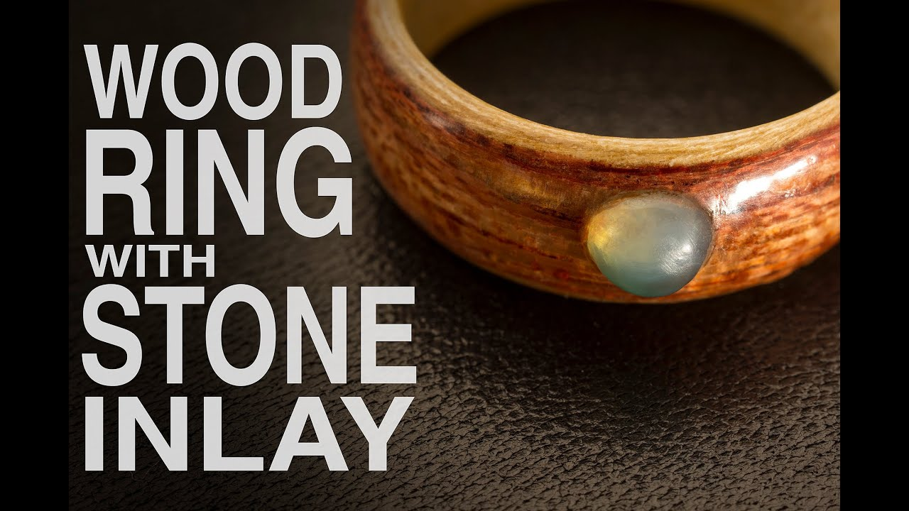 Wood Ring with Stone Inlay / Anell de fusta amb