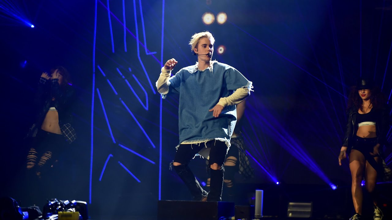Justin Bieber - What Do You Mean? (Radio 1's Teen Awards 2015)