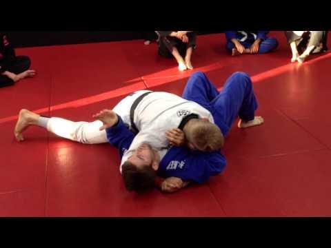 Side control escape against tight top pressure