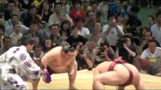 Asashoryu v Kisenosato at the Nagoya Basho 2009. Kisenosato beat th...