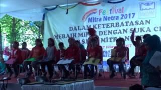Penampilan English Club di Festival Mitra Netra 2017