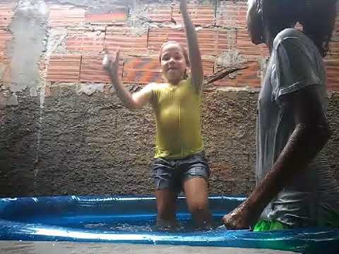 O desafio da piscina 😁😁♡