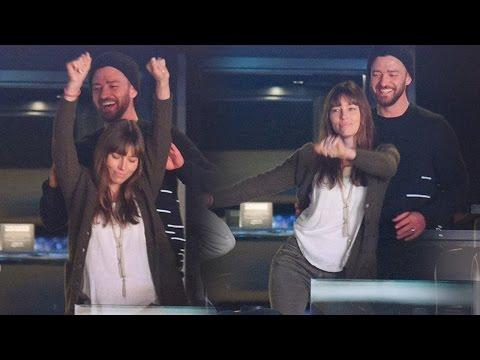 Justin Timberlake & Jessica Biel Dance...