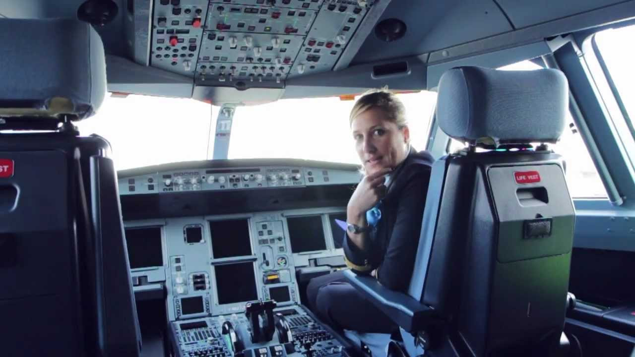 Virginie hoarau opl a330 xl airways france youtube for Interieur avion air france