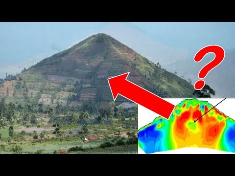 Scientists PREVENT Excavation of Chamber INSIDE World's Oldest Pyramid 25,000 Years Old - Indonesia