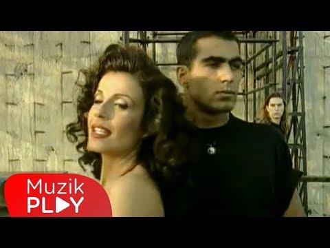 Ayşegül Aldinç - Yanlışsın (Official Video)