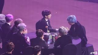 [FANCAM 4K] BTS REACTING TO IKON SPEECH IN SEOUL MUSIC AWARDS 2019 190115