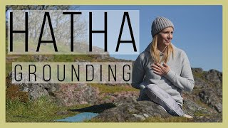 30 minute Grounding Hatha Yoga to Connect with Your Center | Yoga with Melissa 527