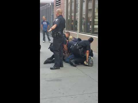 Penn Station ny,a bum got take down by the police