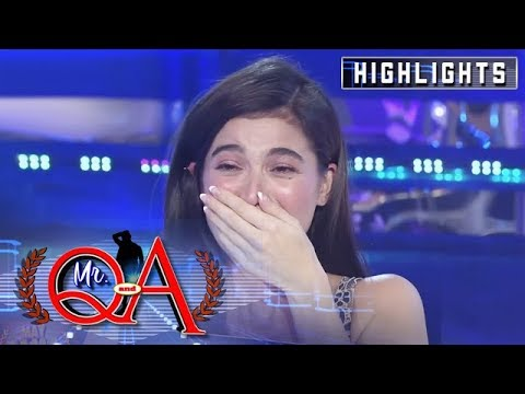 Anne laughs hard after she mistranslated the word bee | It's Showtime Mr Q and A
