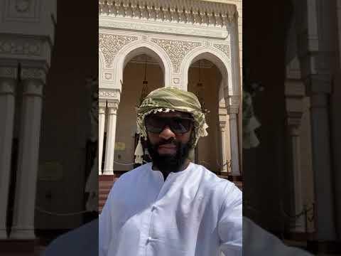 At Jumeirah Mosque in Dubai. #shorts #dubai #vacation #mosque