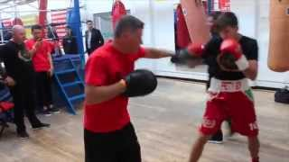TALENTED DECLAN GERAGHTY WARMS UP ON THE PADS IN DUBLIN WITH FATHER / TRAINER / iFL TV