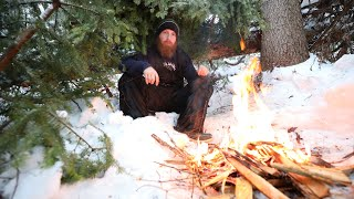 Surviving Brutal Canadian Wiฑter on Frozen Lake | Primitive Skills for Shelter, Fire, Food, Water