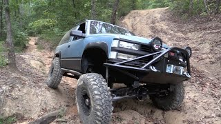 2 DOOR SOLID AXLE BLAZER CRAWLING