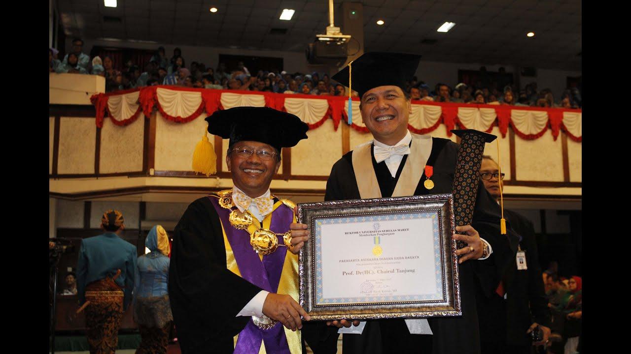 Chairul Tanjung Wood Restaurant Chairs Dianugerahi Uns Award 2015 Youtube