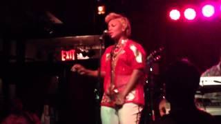 "Yummy Bingham Tha Rayne "" No Love "" Live Unplugged"