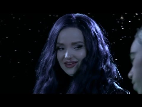 New Descendants 2 Teaser & Dove Cameron Pens Emotional