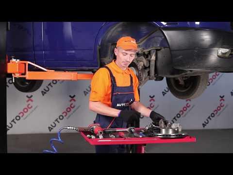 Wie VOLKSWAGEN TRANSPORTER T4 Bremsscheiben vorne, Bremsbeläge vorne wechseln TUTORIAL | AUTODOC