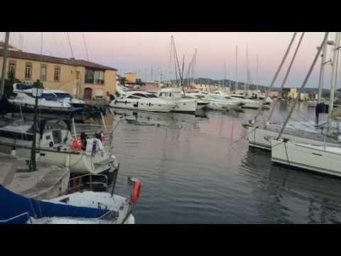 Les coches d eau port grimaud doovi - Visiter port grimaud ...