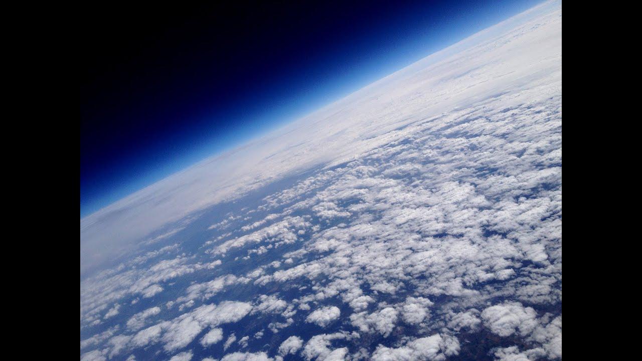 wetterballon kamera filmt erde aus stratosph re pcgh in gefahr youtube. Black Bedroom Furniture Sets. Home Design Ideas