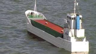rc cargo ship