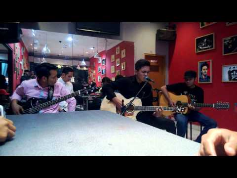 Captain Jack - Hanya Karena & Sempurna (acoustic version) -at Mars Radiance Cafe Denpasar, Bali