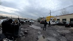 Walking NYC (Narrated) : Willets Point, Queens (The Iron Triangle) - Auto Junkyard / Scrap Yard