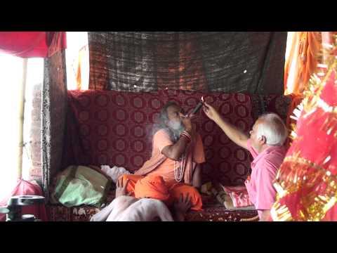 DHUNICAST Naga Baba Upendra Giri Ji invokes Shiva thru His Chillum at 2010 Hardwar Maha Kumbh Mela